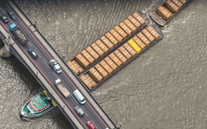 Lessons from the Thames – a new guide to moving freight by water | FTA
