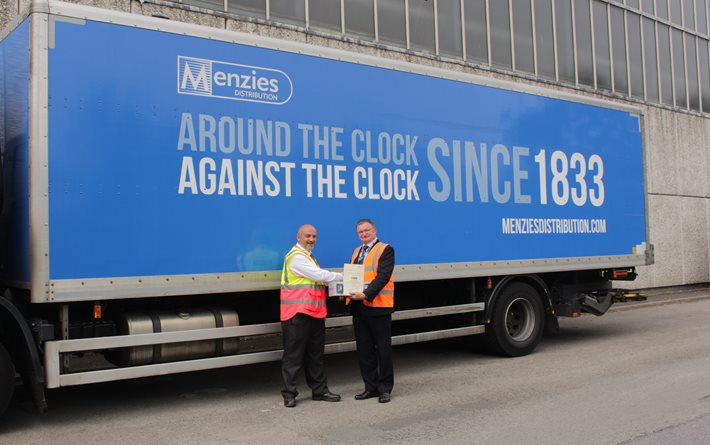 Menzies Distribution collects FTA Roadworthiness Award